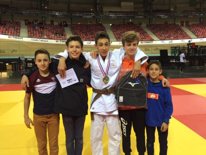 SIMON FAVREAU, Médaillé de Bronze au Championnat de France